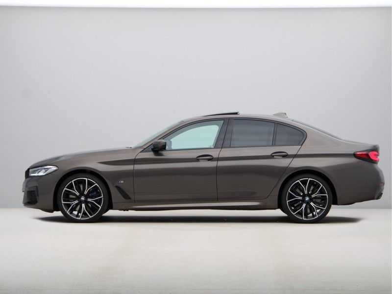 BMW 5 Serie 540i High Exe M-Sport afbeelding 10