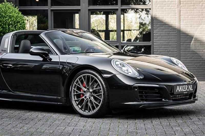Porsche 911 TARGA 4 SPORT CHRONO+CAMERA+AKRAPOVIC afbeelding 24