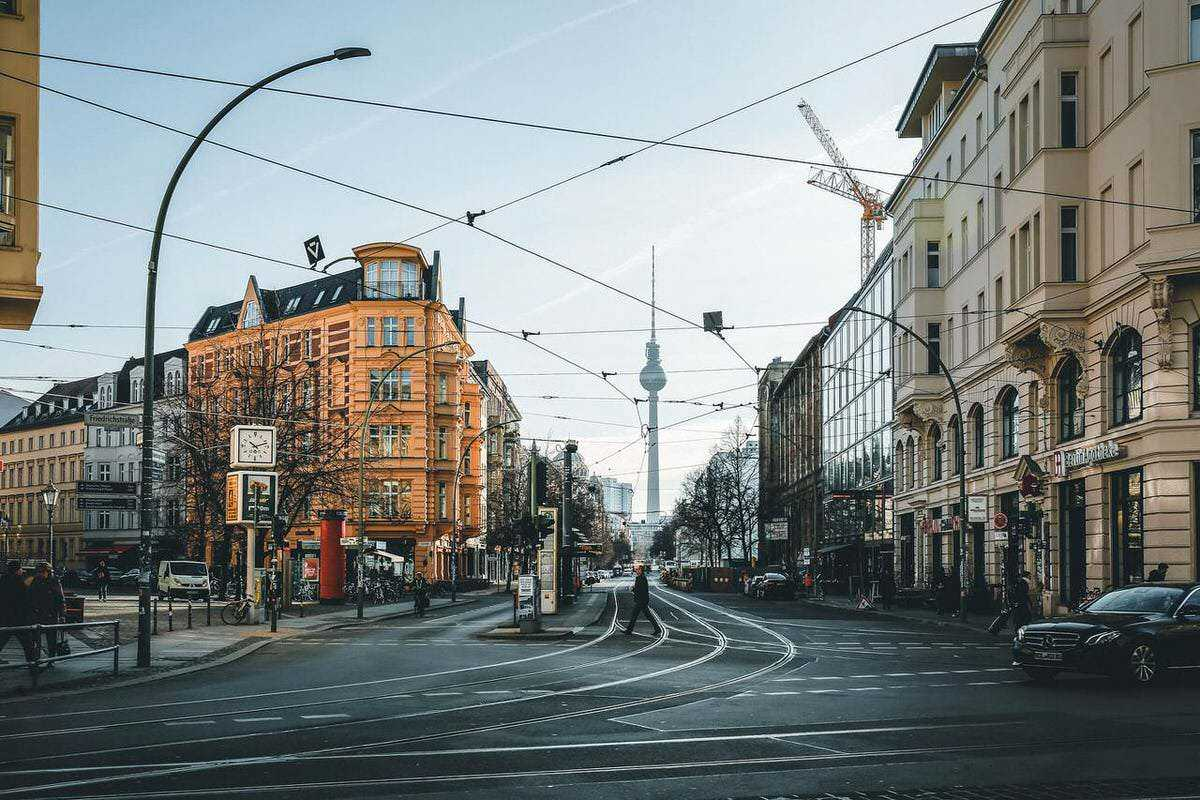 You're thinking to move abroad but you don't know yet the local language? Here are 5 tips on how to find a job in Germany