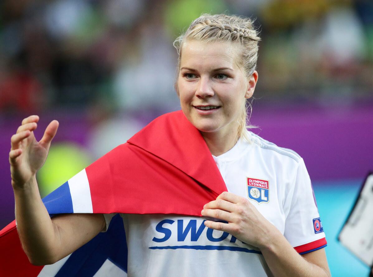 Нападающая «Лиона» исборной Норвегии Ада Хегерберг — самая высокооплачиваемая футболистка вмире. Она получается в325раз меньше, чем Месси. Фото: newsbeezer.com
