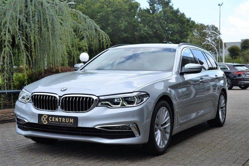 BMW 5 Serie 530i xDrive Luxury Line Facelift afbeelding 1