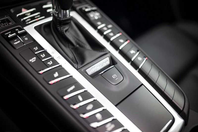 """Porsche Macan 3.0 S *Pano / 21"""" / Memory / DAB+ / Luchtvering / Rijbaanassistent* afbeelding 10"""