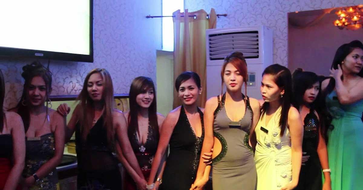 Dunia malam di Filipina Cove Manila