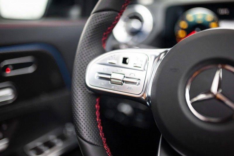 Mercedes-Benz GLA 200 AMG Line *Pano / HUD / Memorystoelen / 360 Cam / Burmester* afbeelding 9