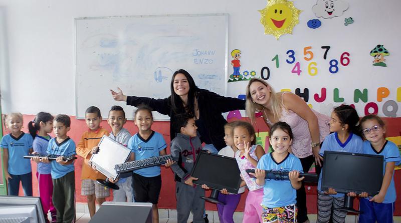 Imagem em destaque para o artigo: Aulas de Informática - Centro Social Educacional Pequeno Príncipe