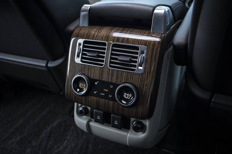 Land Rover Range Rover 3.0 TDV6 Autobiography Verwarmde Gekoelde en Massage Stoelen + Trekhaak + Adaptive Cruise Control + Head Up Display + 360 Camera afbeelding 17