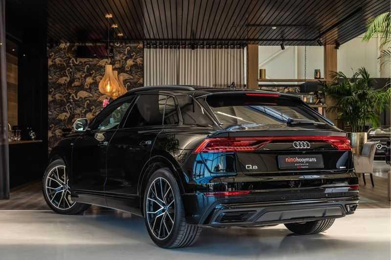Audi Q8 55 TFSI quattro 3x S-line | PANO | 4 wielsturing | Tour | Trekhaak | Matrix LED | afbeelding 5