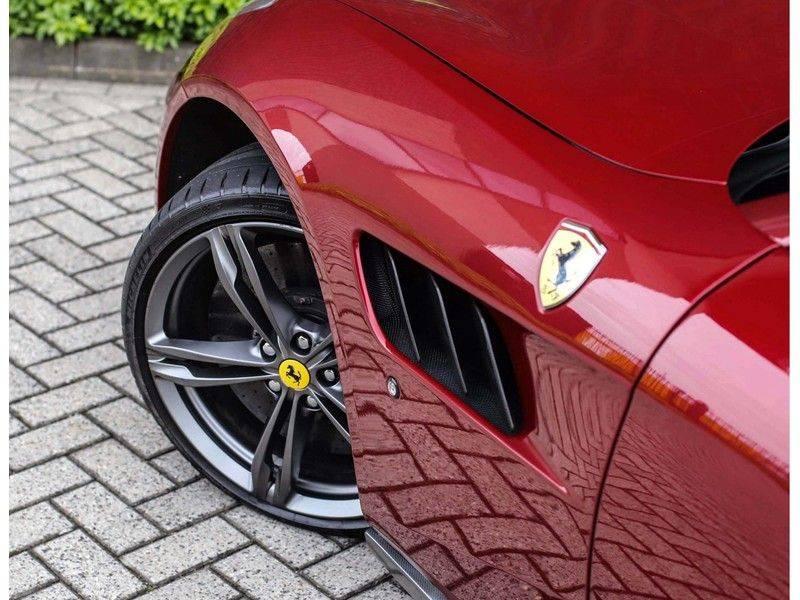 Ferrari GTC4 6.3 V12 Lusso *Panoramadak*passagiers display* afbeelding 5