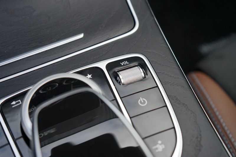 Mercedes-Benz C-Klasse Coupé 300 Prestige afbeelding 19