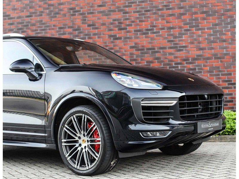 Porsche Cayenne Turbo *SportDesign*Pano*360cam*Chrono*Soft-Close* afbeelding 13