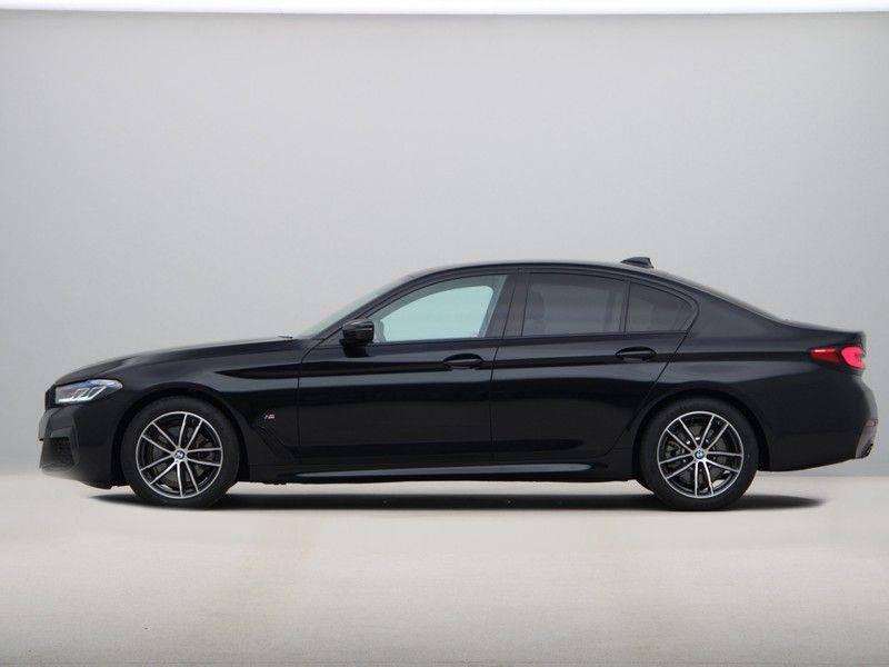 BMW 5 Serie 520d Sedan High Exe M-Sport afbeelding 12