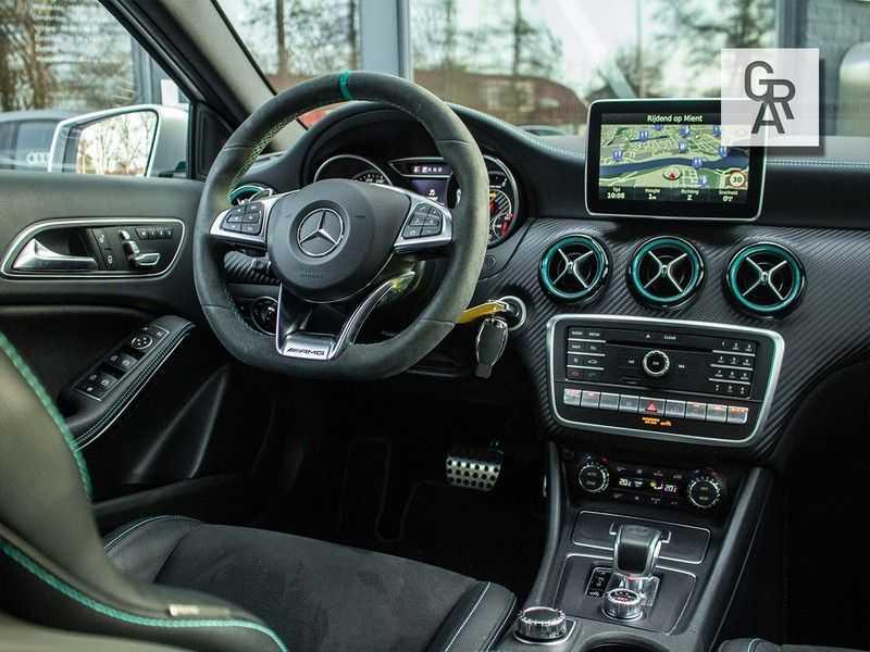Mercedes-Benz A-Klasse 45 AMG 4MATIC afbeelding 9
