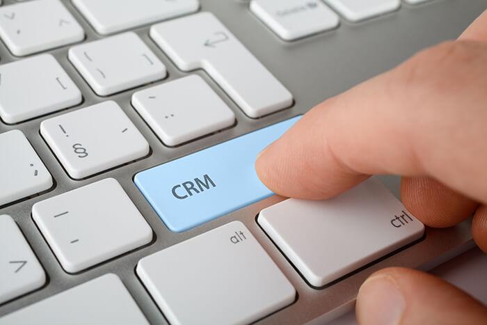 Kdy se Vám hodí zakázkový CRM systém?
