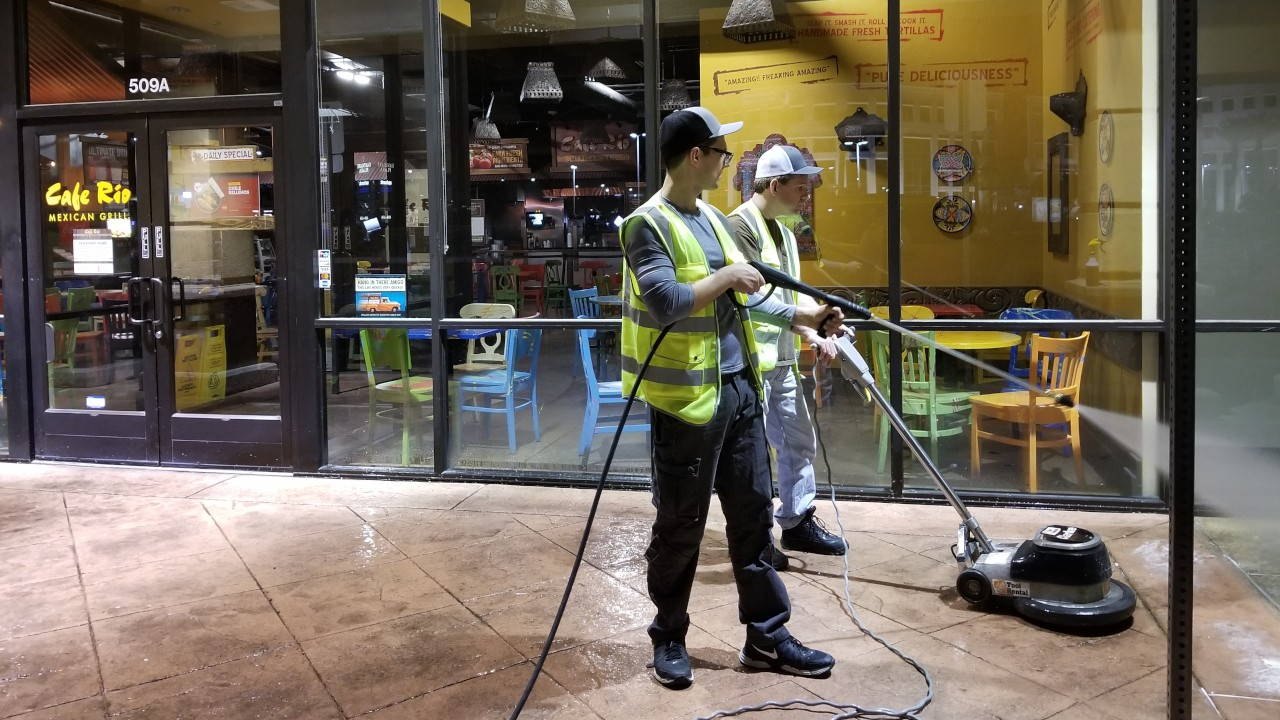 pressure-washing-cafe-rio-storefront-and-siding--cleaning-03