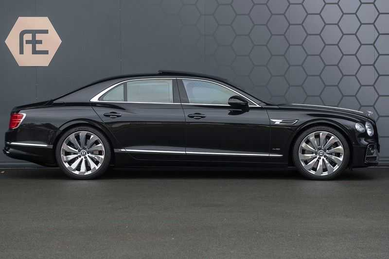 Bentley Flying Spur 6.0 W12 FIRST EDITION MY 2021 NAIM + Mulliner + Touring Spec + Head-Up + Bentley Rotating Display + Onyx Pearl / Beluga + Full Option + afbeelding 4