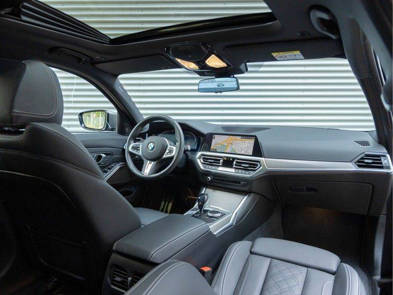 BMW 3 Serie Touring M340i xDrive Individual - Head-up - ACC - Harman Kardon - Panorama afbeelding 3