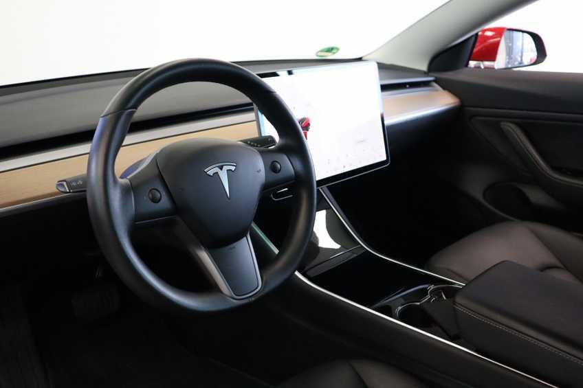 """Tesla Model 3 Long Range EX BTW FSD! Rood Zwart Navigatie 18""""LM 4% Bijtelling afbeelding 15"""
