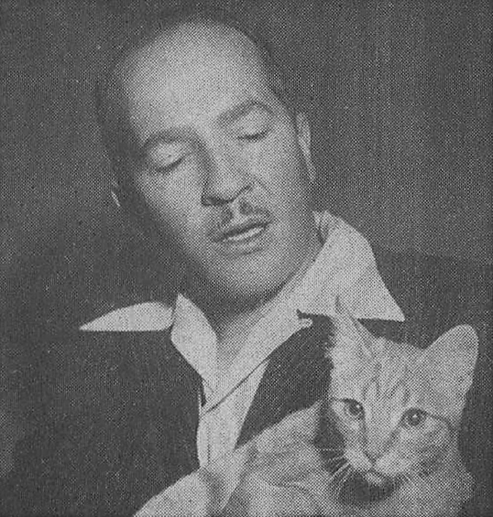 Роберт Хайнлайн с котом. Источник: www.wikiwand.com