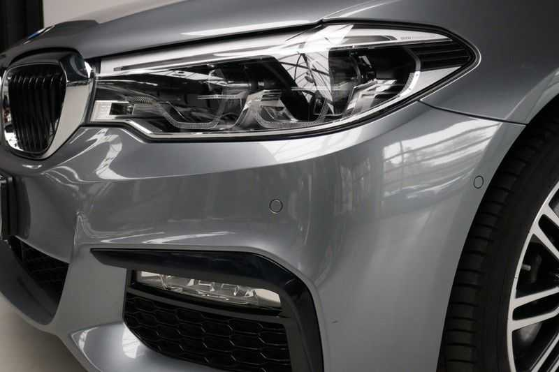 BMW 5 Serie Touring 520d High Executive M-sport afbeelding 12