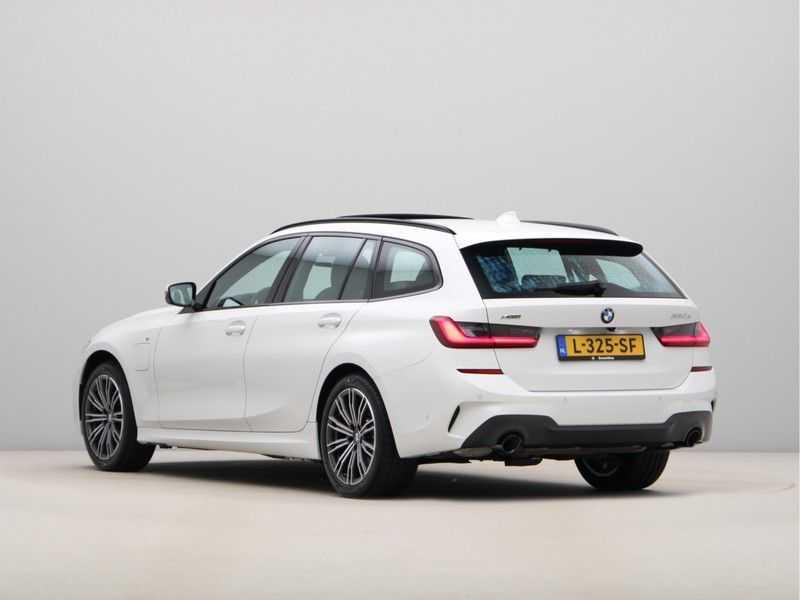 BMW 3 Serie Touring 330e xDrive Exe M-Sport Hybrid afbeelding 13