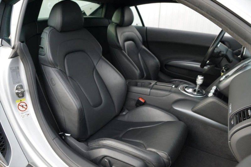 Audi R8 4.2 V8 FSI / 49dkm NAP / 1e eigenaar / B&O / R-Tronic / Orgineel Nederlands! / Navigatie afbeelding 6