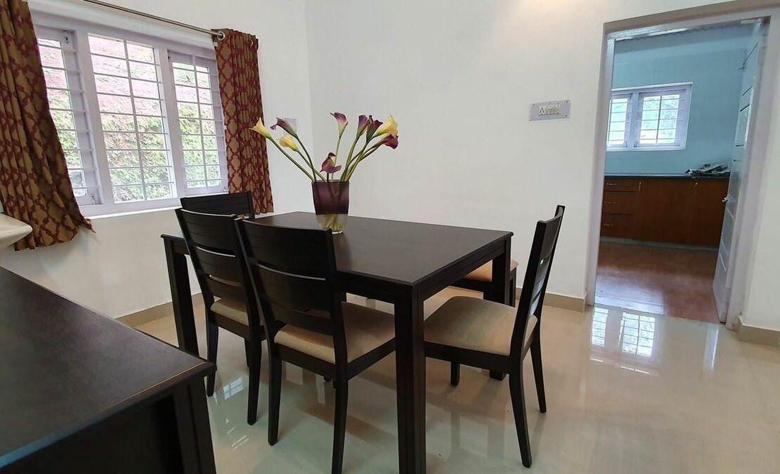Quail Hill Carmel House Dining room