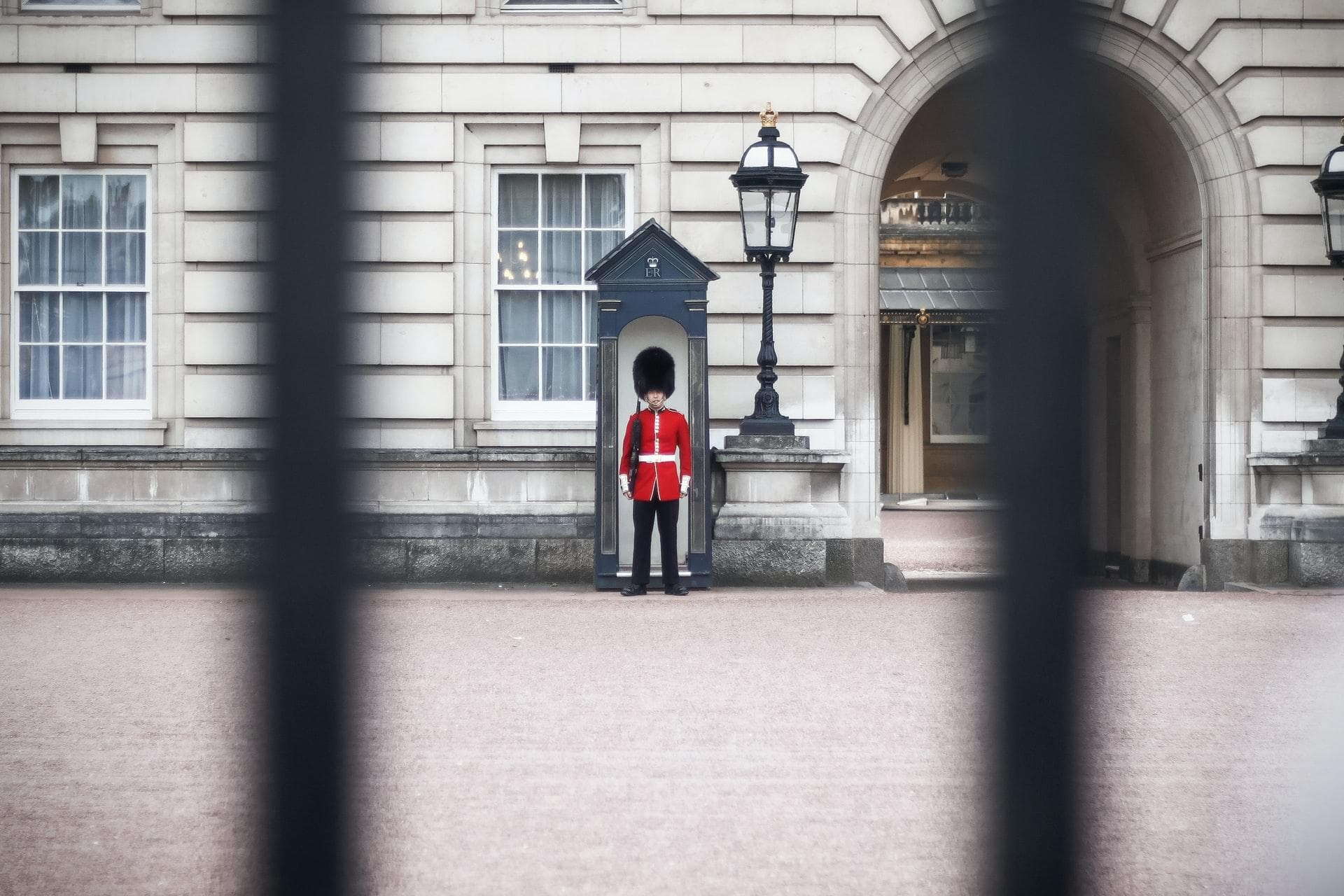 Guard in front of Buckingham Palace