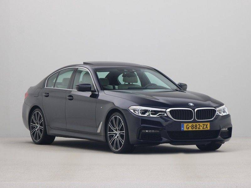BMW 5 Serie Sedan 540i High Executive M-Sport Automaat afbeelding 7