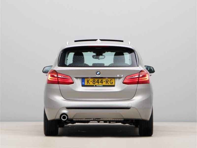BMW 2 Serie Active Tourer 218i Exe Sportline Aut. afbeelding 2