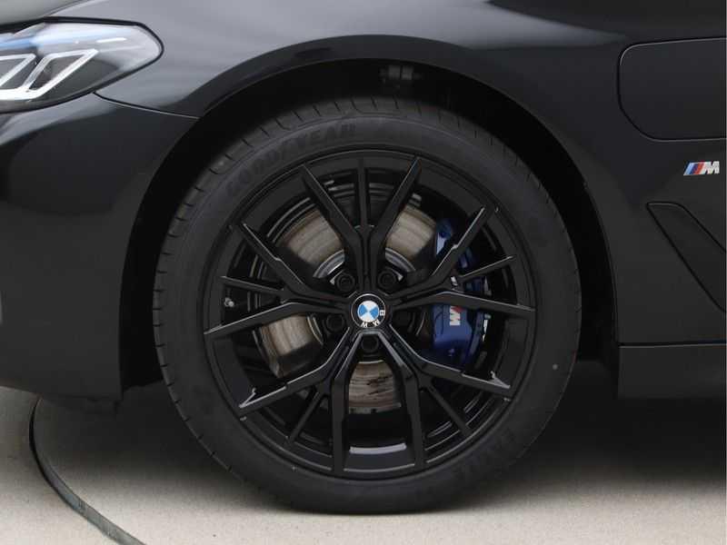 BMW 5 Serie 520e Sedan High Exe M-Sport Hybrid afbeelding 21
