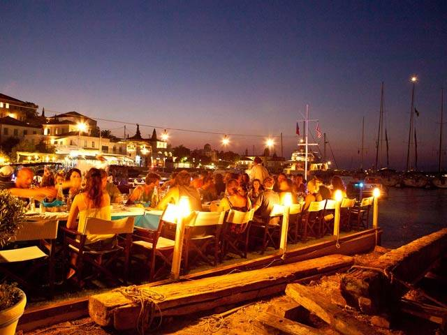 Greece Sailing Holidays: Essential Dining Experiences