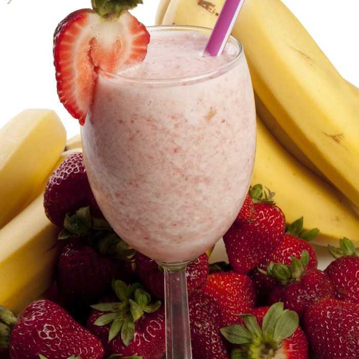 Banana Strawberry Shake Cocktail