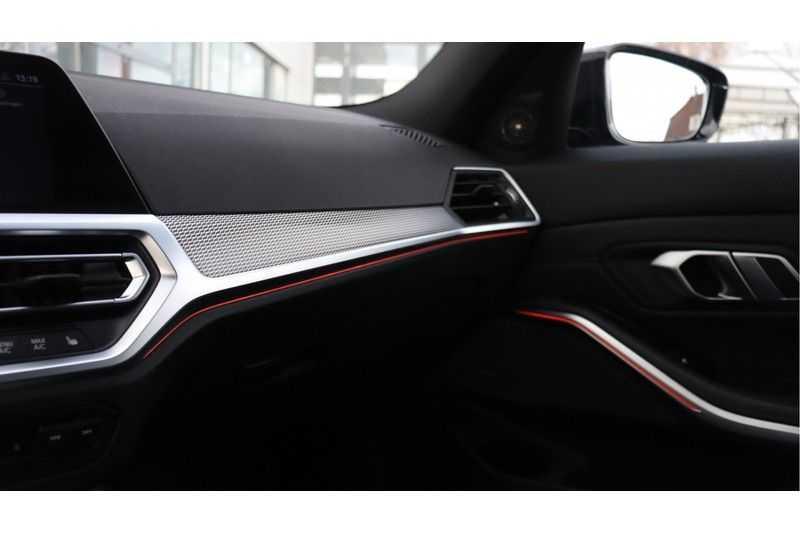 BMW 3 Serie 320i High Executive M Sport, Harman/Kardon, Live Cockpit Professional afbeelding 17