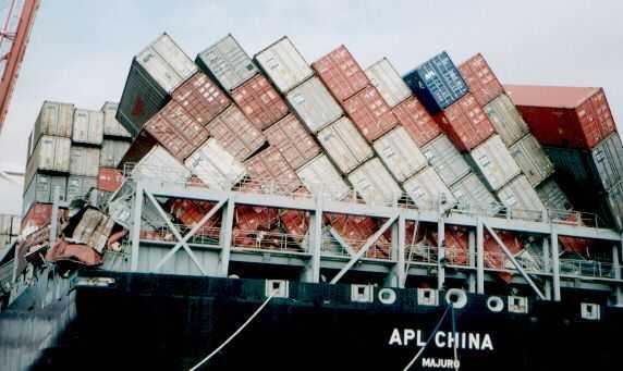 Ročne do mora padá asi 10 tisíc kontajnerov