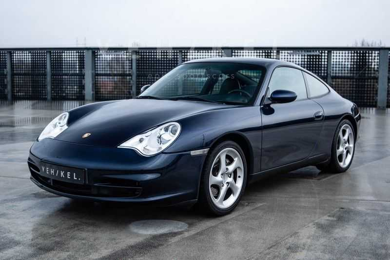 Porsche 911 3.6 Coupé Carrera 4 // Nachtblau // Mint condition afbeelding 1