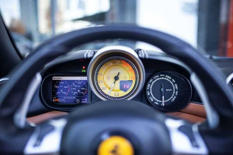 """Ferrari California 3.9 T HELE *Rosso California / Regelb. Sportuitlaat / 20"""" / 2-Tone* afbeelding 19"""