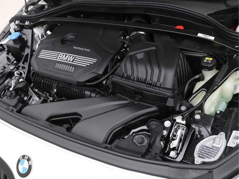 BMW 1 Serie 128ti High Exe Aut. 266 pk afbeelding 6