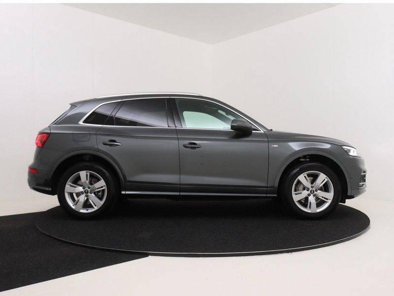 Audi Q5 50 TFSI e 299 pk quattro S edition   S-Line  Matrix LED koplampen   Assistentiepakket City/Parking   360* Camera   Trekhaak wegklapbaar   Elektrisch verstelbare/verwambare voorstoelen   Verlengde fabrieksgarantie afbeelding 9