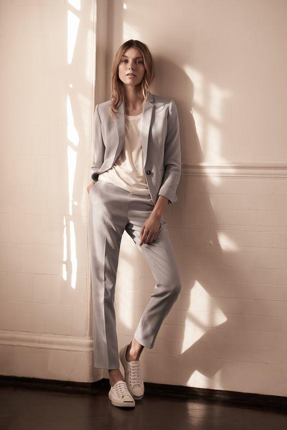 Tailleur femme gris clair ourlet