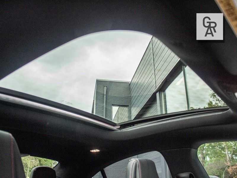 Mercedes-Benz CLA35 AMG klasse CLA35 AMG 4MATIC Premium Plus afbeelding 24