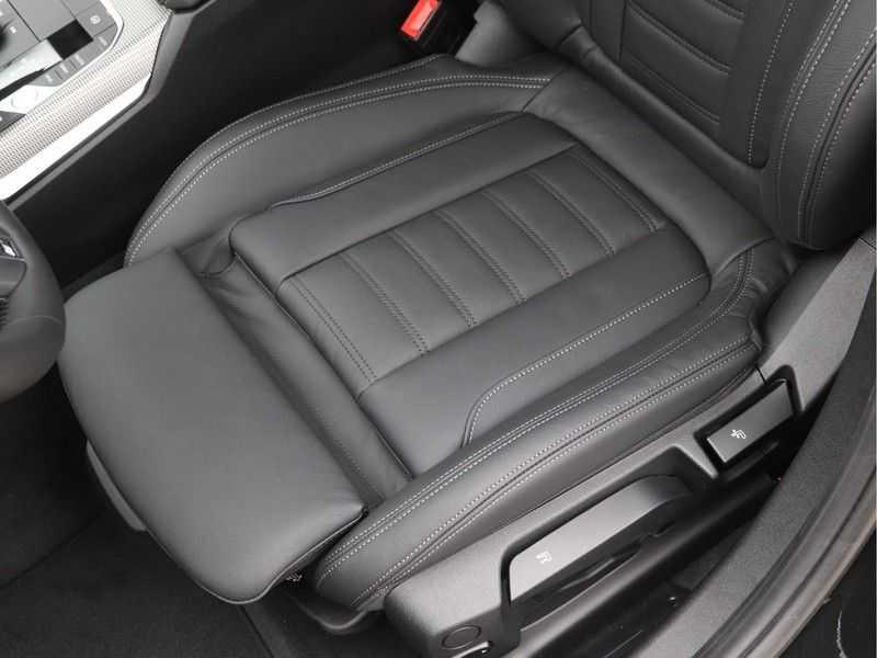BMW 3 Serie 330e High Exe M-Sport Aut afbeelding 19