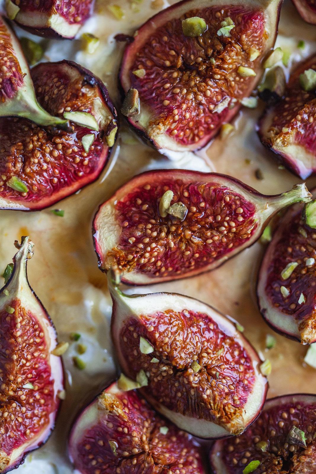 Honey And Fig Pavlova