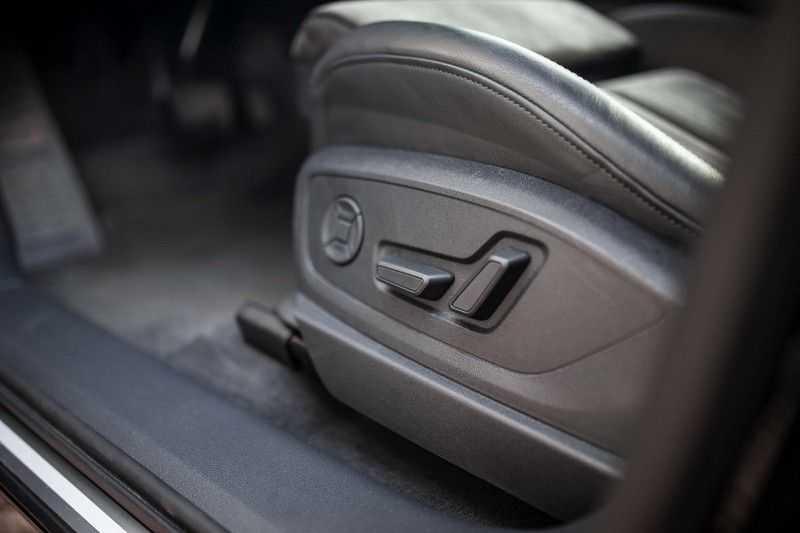 "Audi e-tron 55 Quattro *4% Bijtelling / Hulppakket Stad & Tour / 22"" / Topview* afbeelding 16"