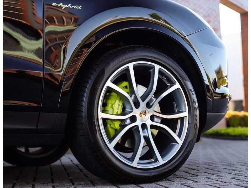 Porsche Cayenne 3.0 E-Hybrid *Pano*Chrono*ACC*PASM*HUD*Bose* afbeelding 14