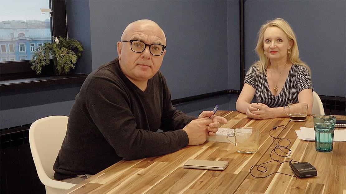 Павел Лобков иКарин Бойс, съемка вовремя интервью