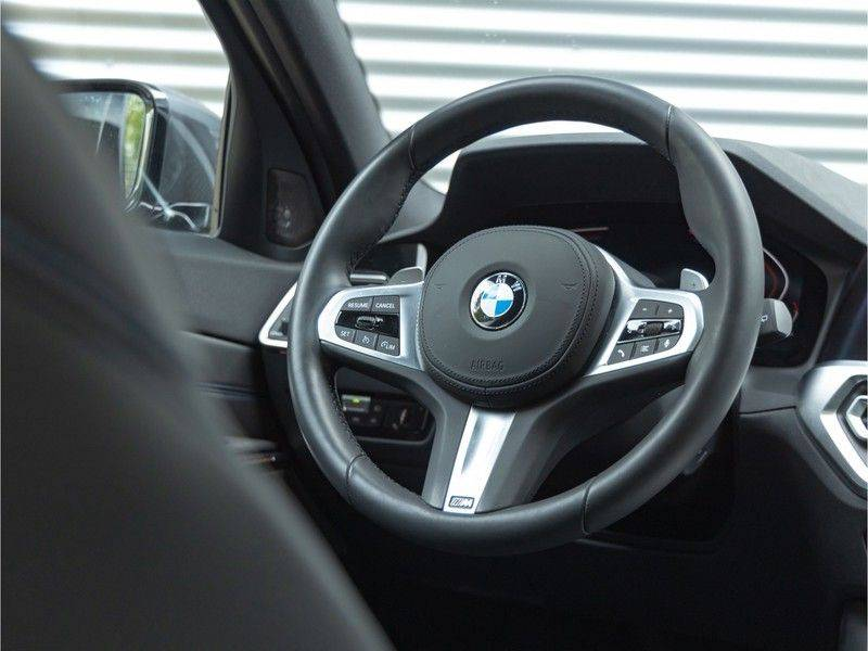 BMW 3 Serie Touring 330i M-Sport - Panorama - Trekhaak - Harman Kardon afbeelding 19
