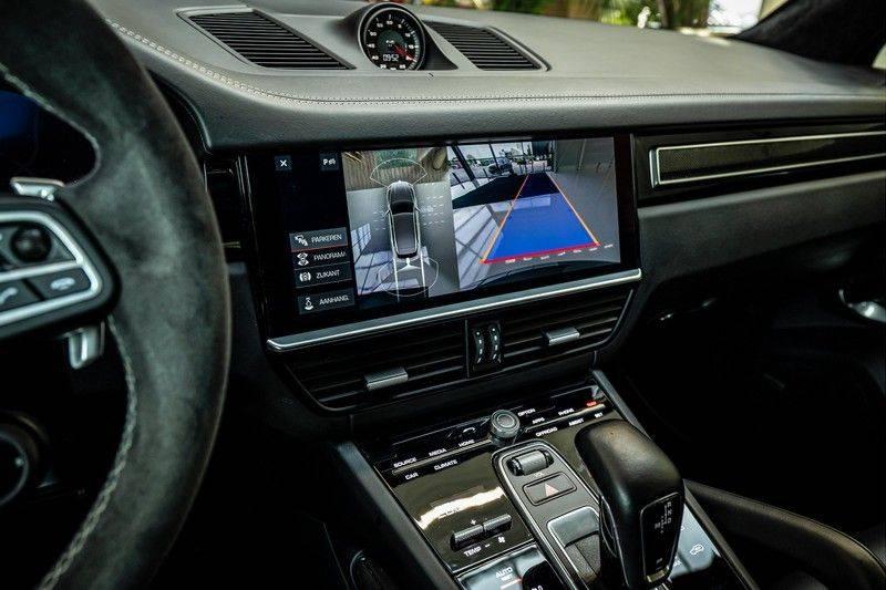 Porsche Cayenne 4.0 Turbo   Head-Up   Carbon   Panorama   3D Camera   BOSE   Trekhaak   Afwijkende stikselkleur   Stoelventilatie   NP 252.000! afbeelding 17