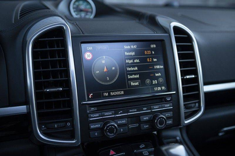 Porsche Cayenne 3.0 D Platinum Edition Org. Ned. + Dealer onderhouden + Sportchrono + Stuur/ Stoel verwarming+ Stoel koeling + Bose afbeelding 23