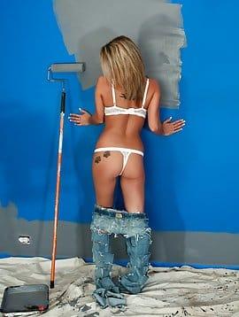 Nikki Paint Mess
