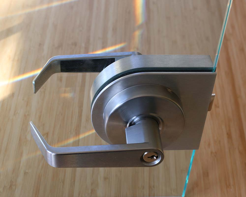 Lever Handle With Integrated Lock